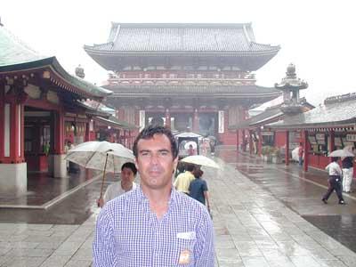 ....E qui all'Asakusa Kannon Temple...Nam-Yoho-Renge-Kyo.....