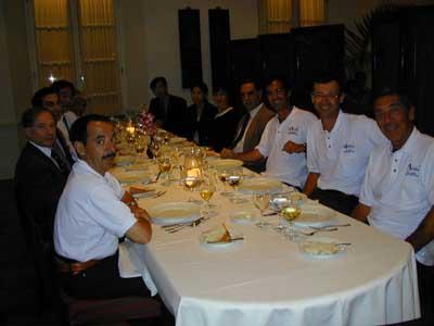 ... E a tavola con il Console e tutto il mondo aeronautico (che conta) di Macau
