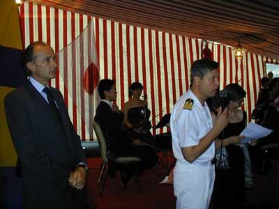 Il nostro ambasciatore a Tokyo, Gabriele Menegatti e il comandante della San Giusto, Capitano di Vascello Paolo Sandalli