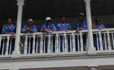 Foto di gruppo alla Dock House