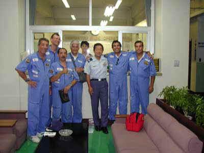 Insieme al comandante dell'addestramento, il Ten. Col. Yoshio Okuno